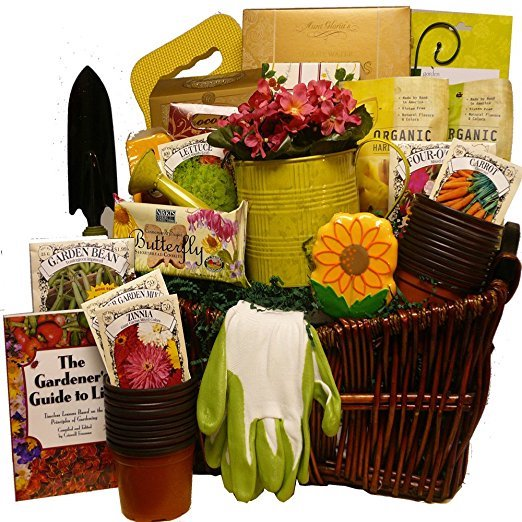 Gardening gift basket with Tomato Dirt.