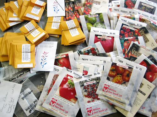 Tomato seed packets from Tiny Farm Blog with Tomato Dirt